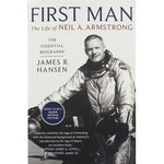 fizyka, astronomia: First Man The Life of Neil A. Armstrong – książka